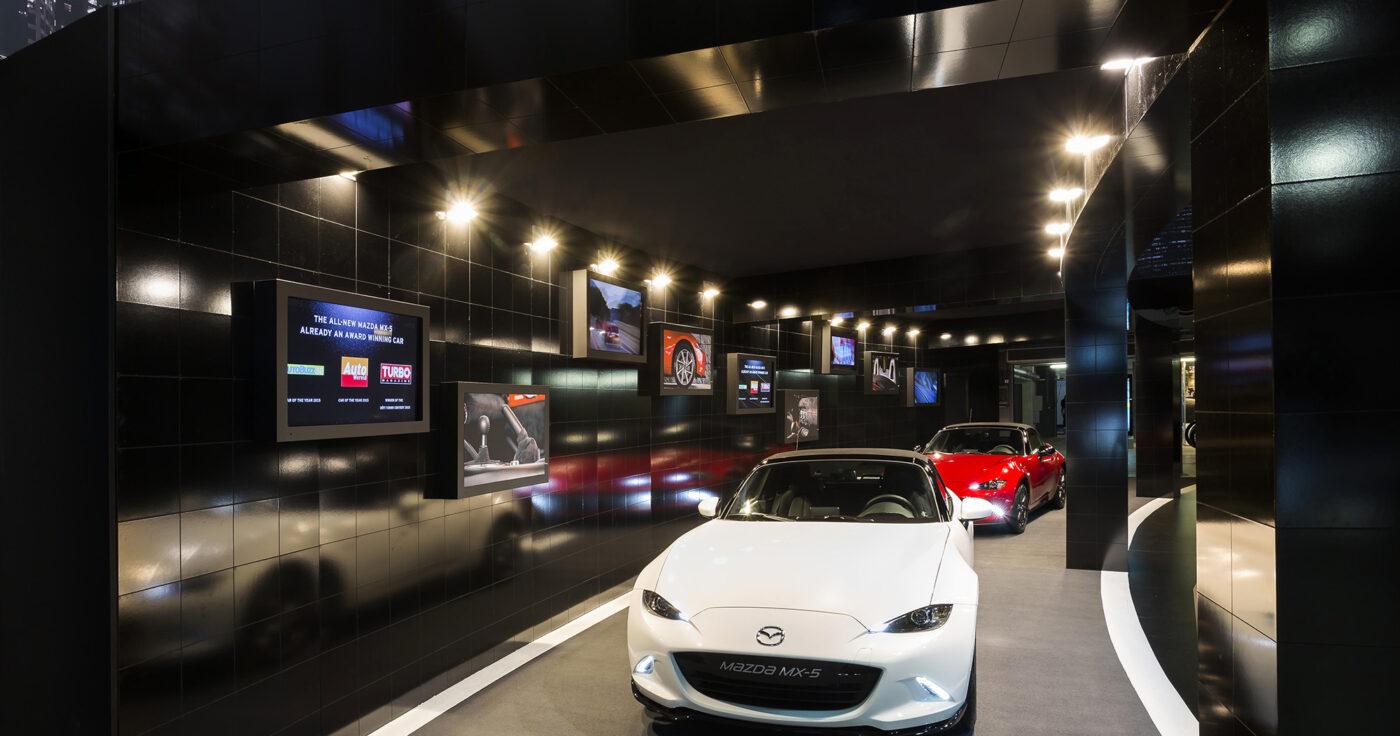 Interieur standenbouw Autosalon 2016 Brussel Mazda 6