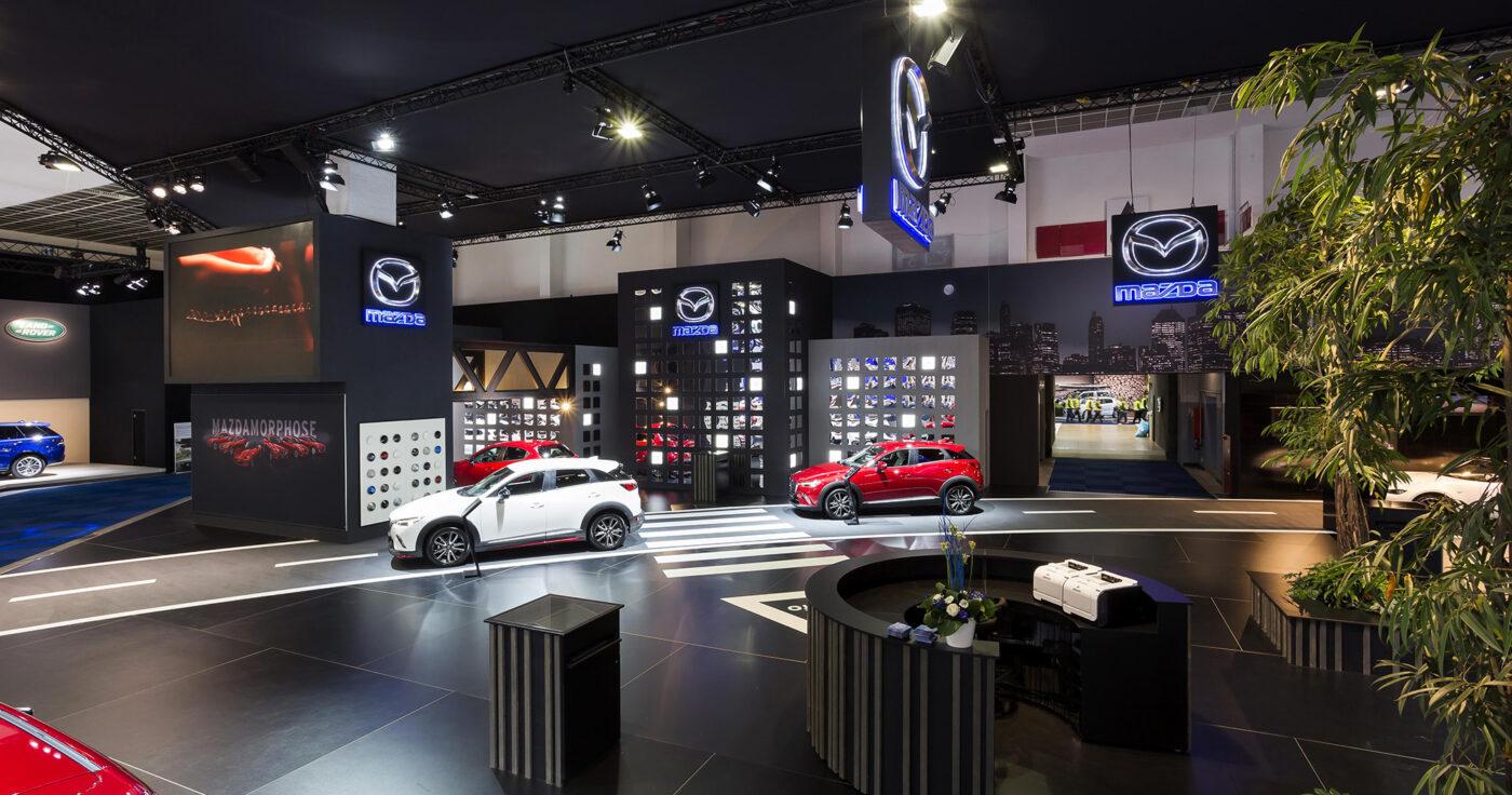 Interieur standenbouw Autosalon 2016 Brussel Mazda 9