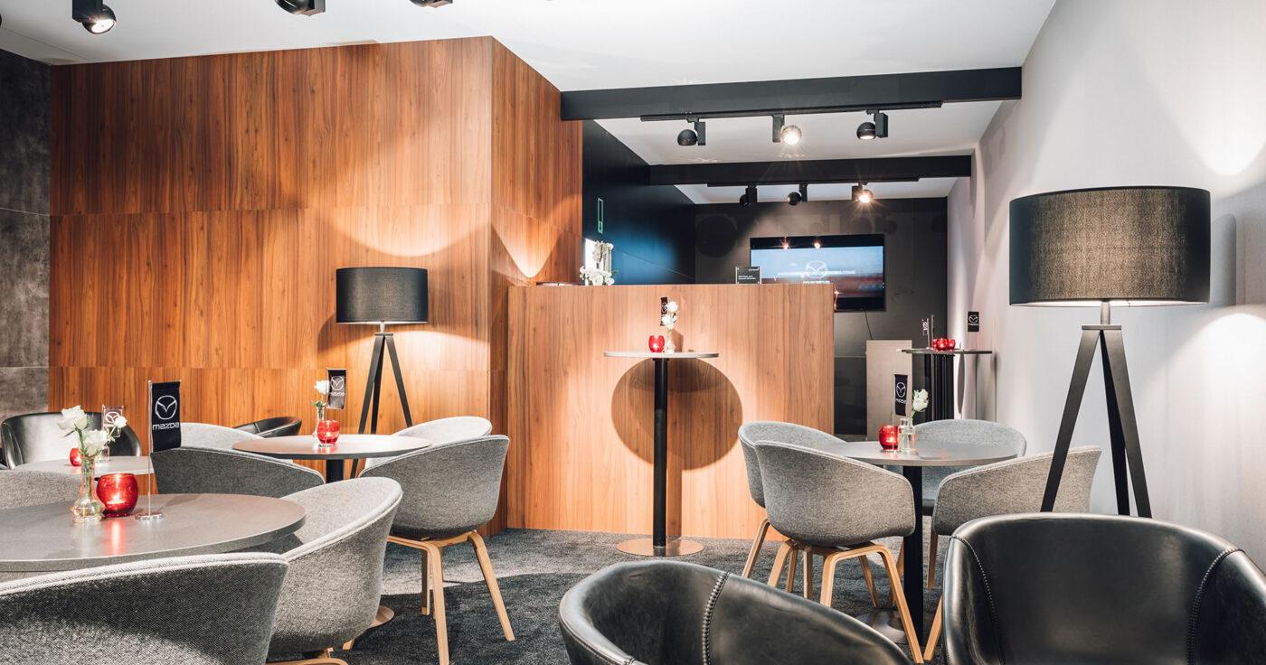Hotel-Restaurant-Bar-Café-Hospitality-Interieurarchitectuur-A-Mazda-Lounge-5