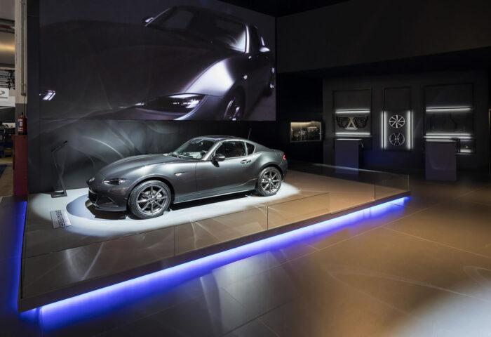 Standenbouw-Standontwerp-Tentoonstelling-design-Exhibition-design-Mazda-20