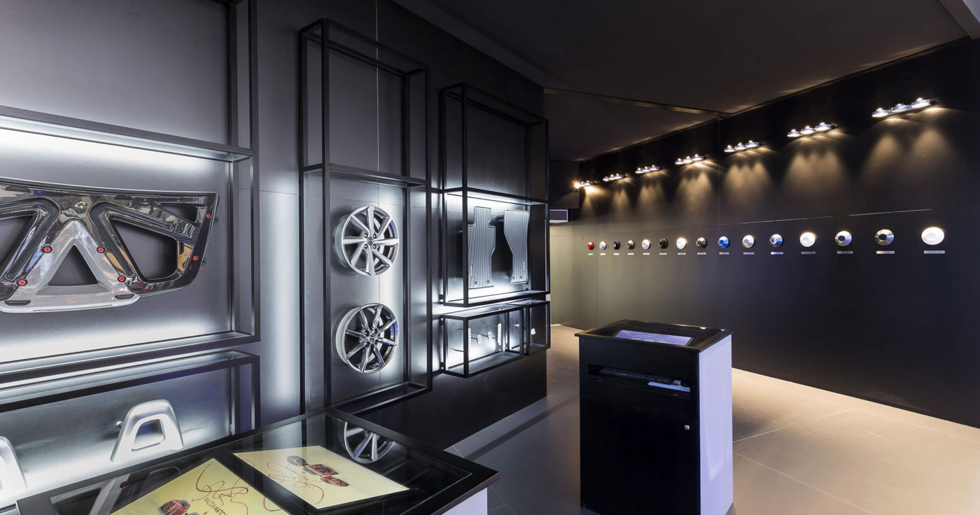 Standenbouw-Standontwerp-Tentoonstelling-design-Exhibition-design-Mazda-21