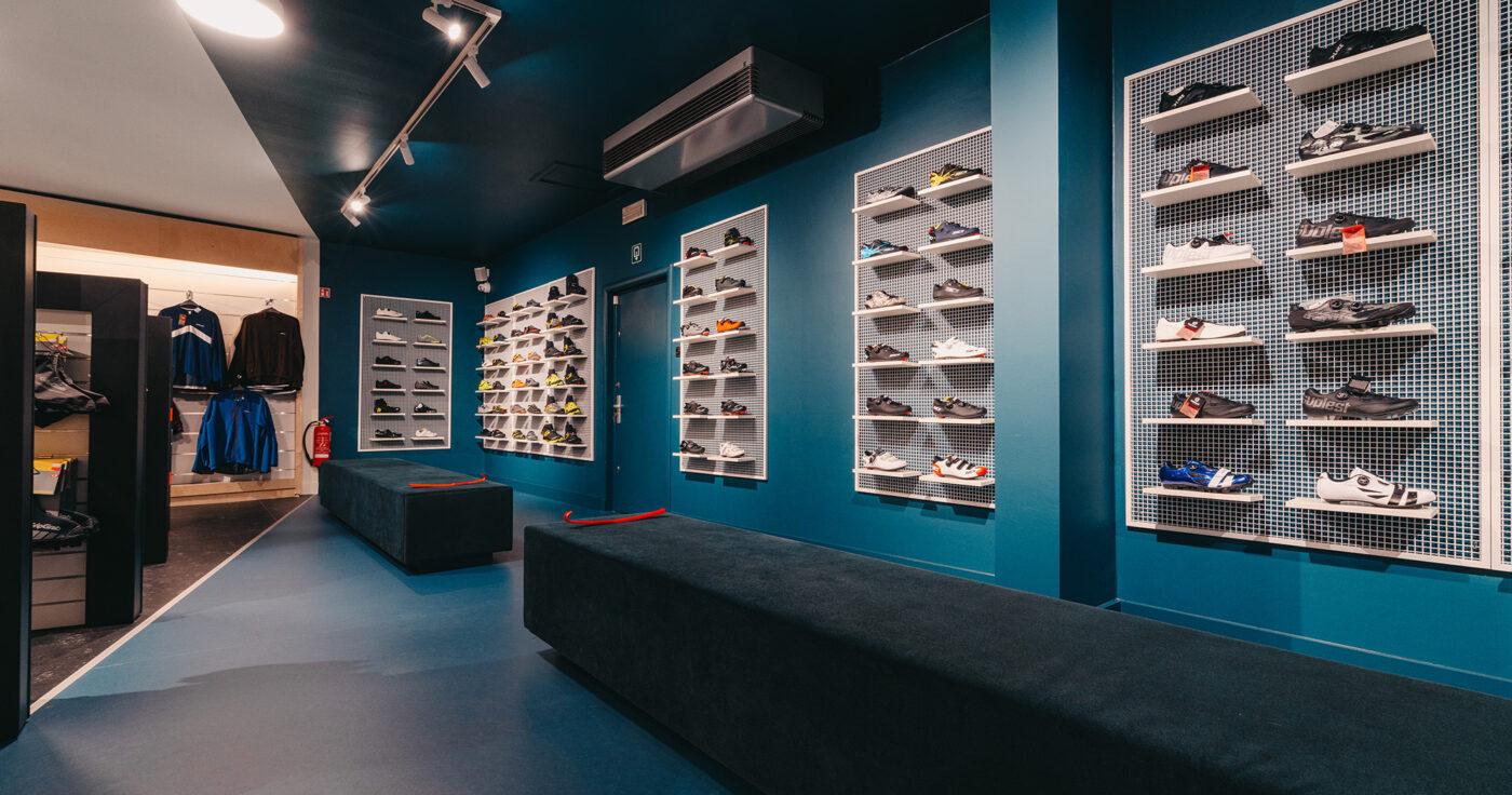 Interieurarchitectuur-Totaalinrichting-Retail-Design-Winkelinrichting-Cyclewear-10