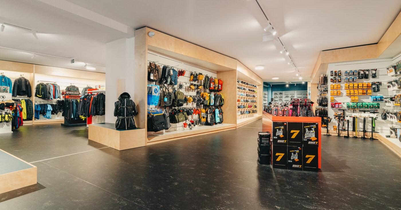 Interieurarchitectuur-Totaalinrichting-Retail-Design-Winkelinrichting-Cyclewear-13