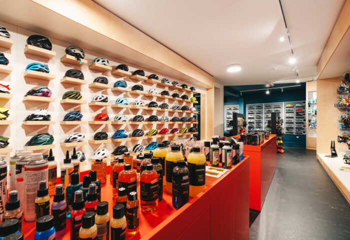 Interieurarchitectuur-Totaalinrichting-Retail-Design-Winkelinrichting-Cyclewear-14