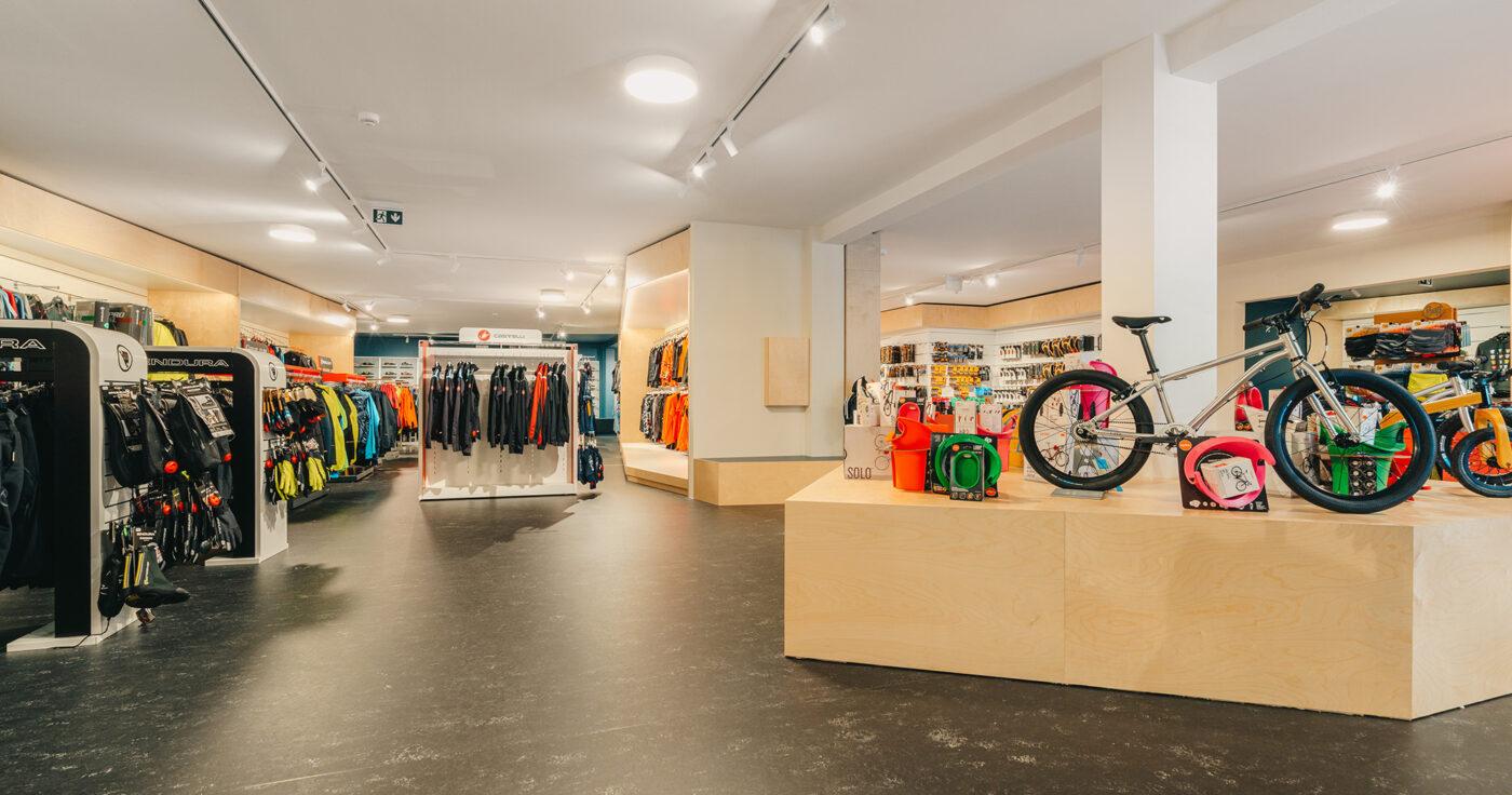Interieurarchitectuur-Totaalinrichting-Retail-Design-Winkelinrichting-Cyclewear-17