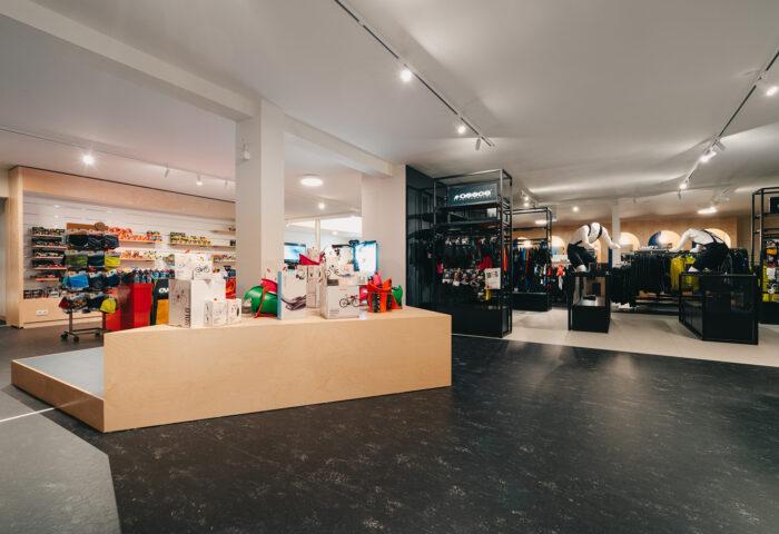 Interieurarchitectuur-Totaalinrichting-Retail-Design-Winkelinrichting-Cyclewear-18