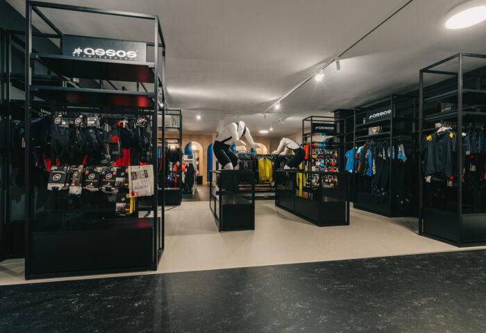 Interieurarchitectuur-Totaalinrichting-Retail-Design-Winkelinrichting-Cyclewear-22