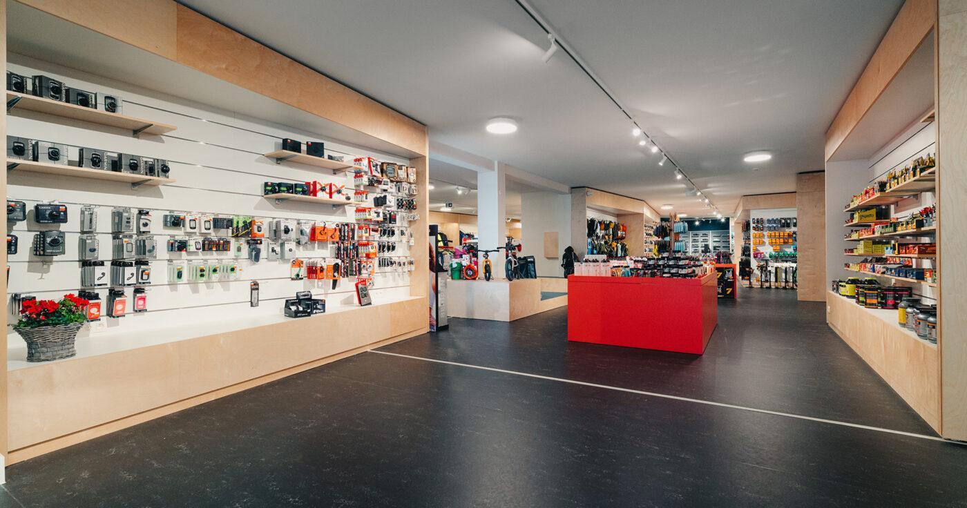 Interieurarchitectuur-Totaalinrichting-Retail-Design-Winkelinrichting-Cyclewear-23