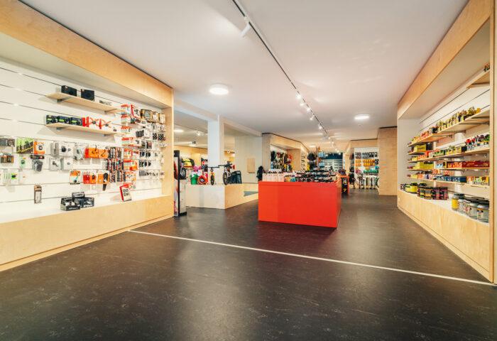 Interieurarchitectuur-Totaalinrichting-Retail-Design-Winkelinrichting-Cyclewear-5