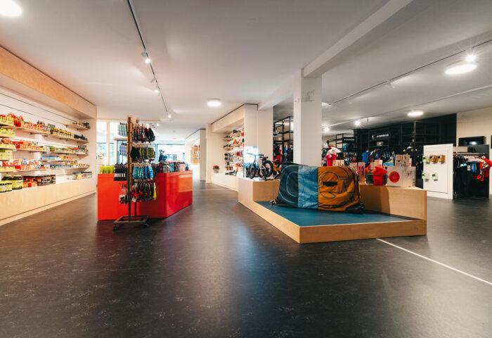 Interieurarchitectuur-Totaalinrichting-Retail-Design-Winkelinrichting-Cyclewear-6